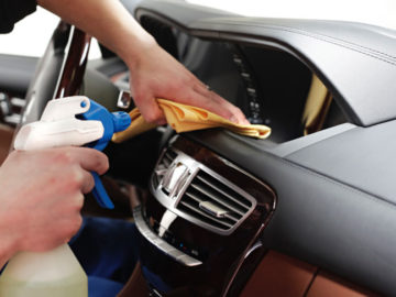 Рейтинг ТОП 5 лучших средств для чистки салона автомобиля